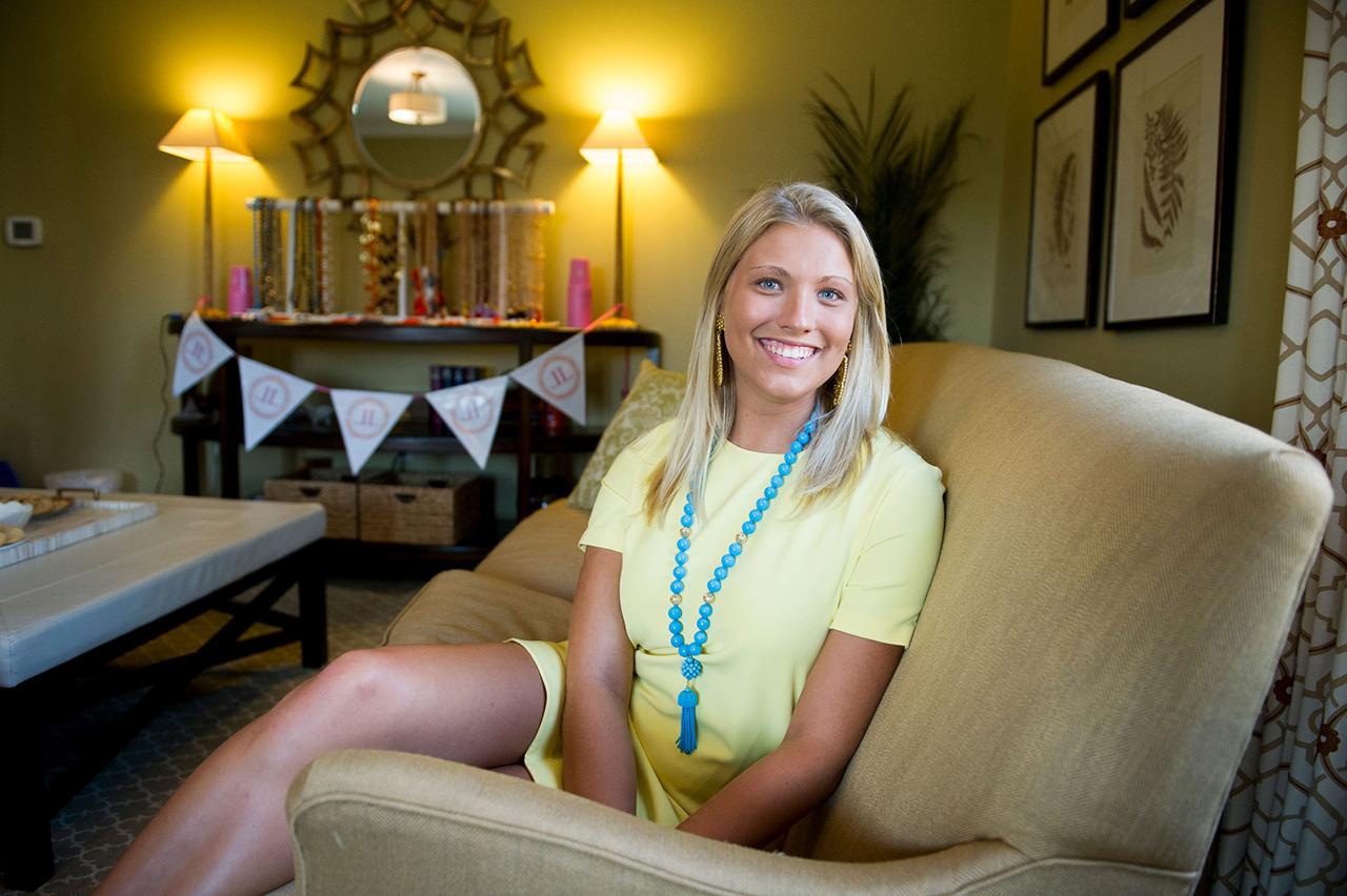 Teens college blonde spreads estim