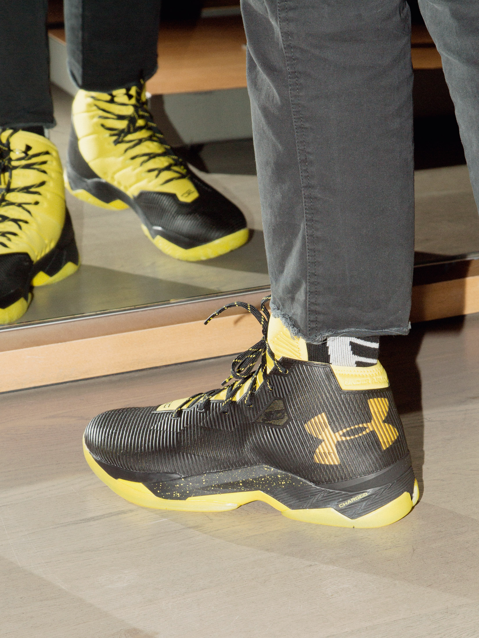 76b91ef96d6aa3 Is It the Shoes  Steph Curry Hasn t Made Under Armour Cool Yet