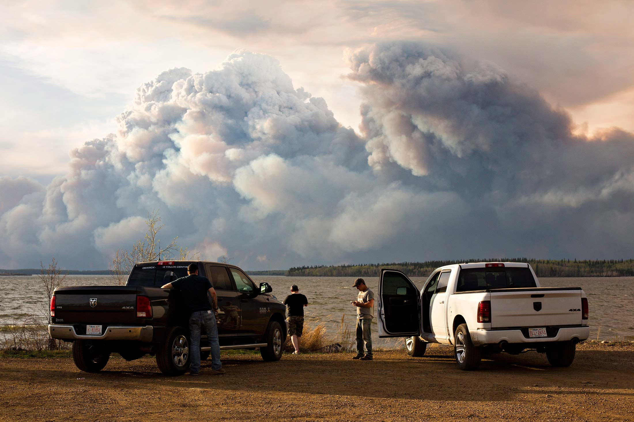 Canada's $69 Billion Wildfire Is The Size Of Delaware—and Still Out Of  Control