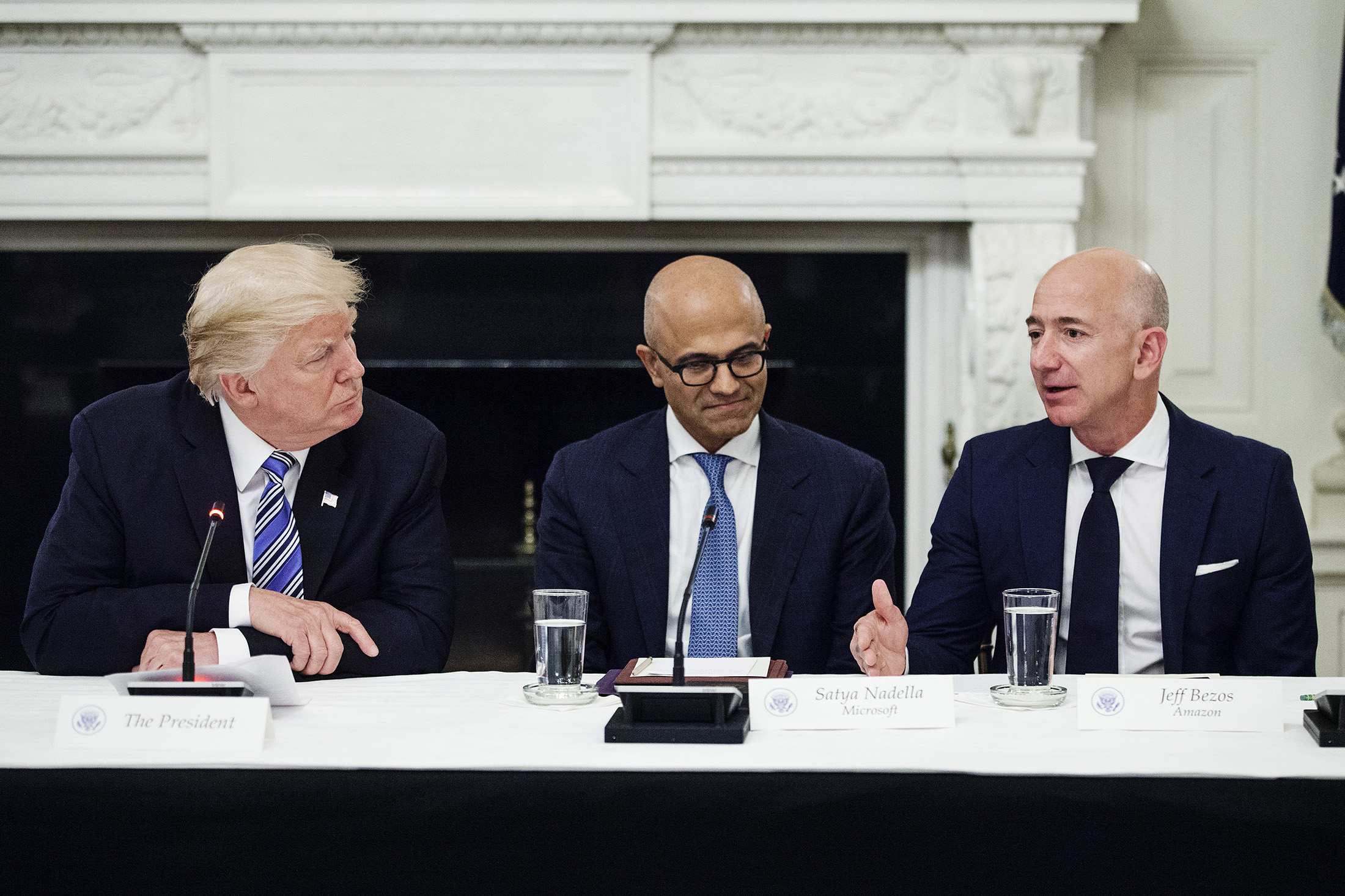 Amazon S Jeff Bezos Can T Beat Washington So He S Joining It